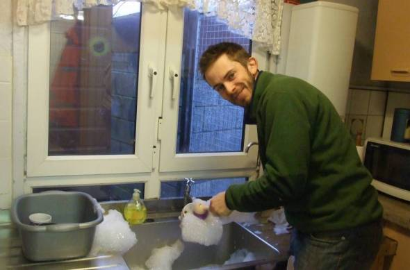 Who says men don't do dishes !!!